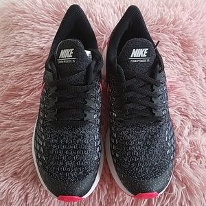 Nike Zoom Women tennis, black gray and hot pink.
